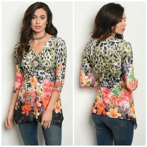 3 FOR $40 • Tropical Floral Pullover Blouse